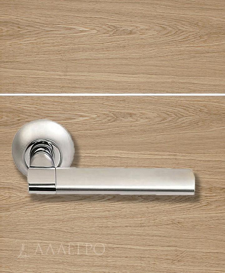 Стильная и удобная дверная ручка Morelli MH 21