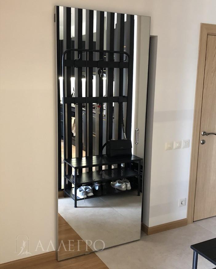 Дверь может выполнятся на заказ любой ширины и высоты. Алюминиевый профиль красится в любой цвет по шкале RAL. Эти дополнительные опции увеличивают стоимость полотна.