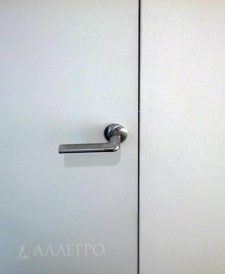 Примыкание дверной коробки с полотном