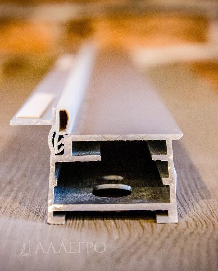 Используется скрытая коробка инвизибл только из 100% авиационнного алюминия