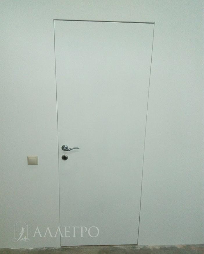 ИТОГ5 Скрытая дверь окрашенная краской