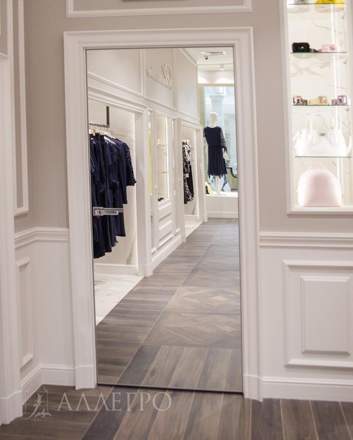 3. Установлена в брендовом магазине женской одежды в Крокус Сити Молле