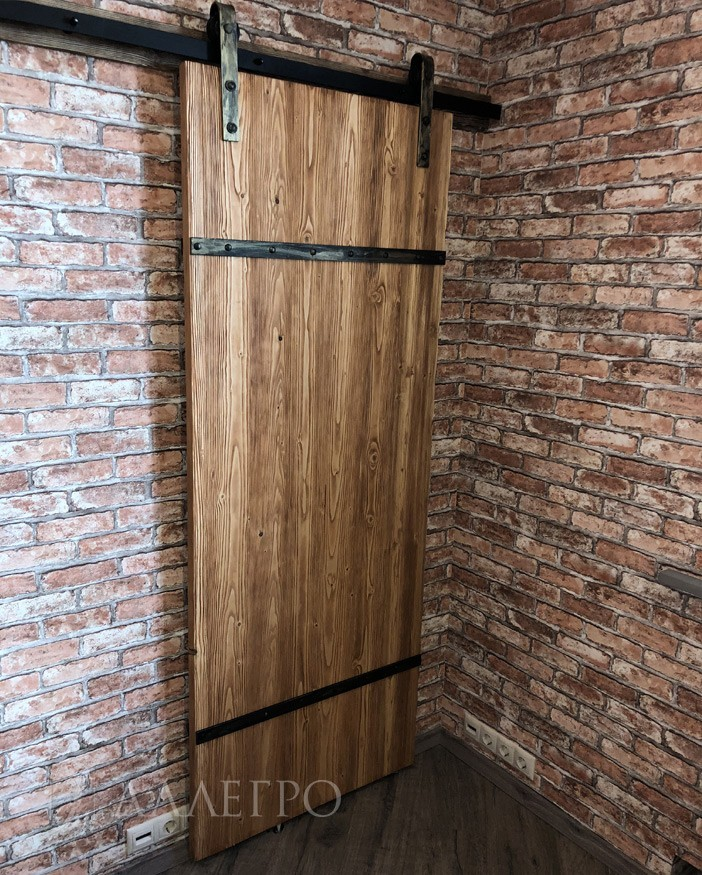 Дверь лофт. Лицевое фото. Вид под углом 2