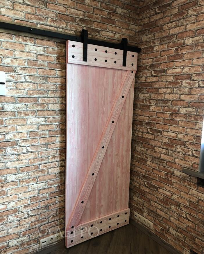 Двери в стиле лофт. Общий вид
