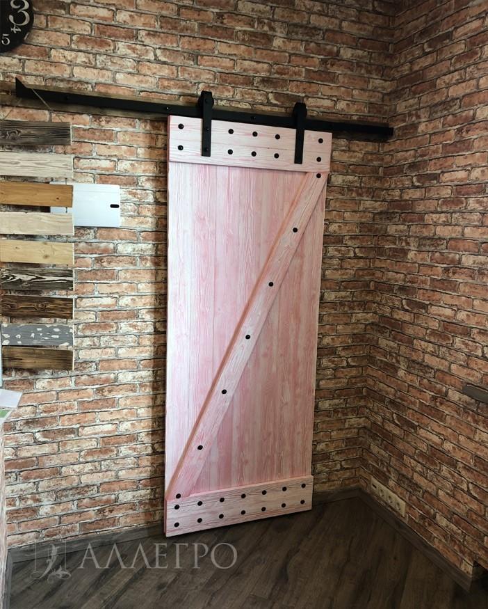 Двери лофт на амбарном механизме