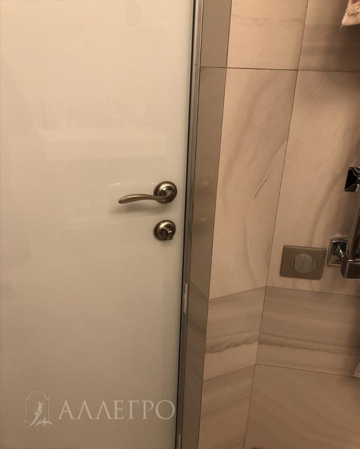 Дверная фурнитура - ручка с защелкой