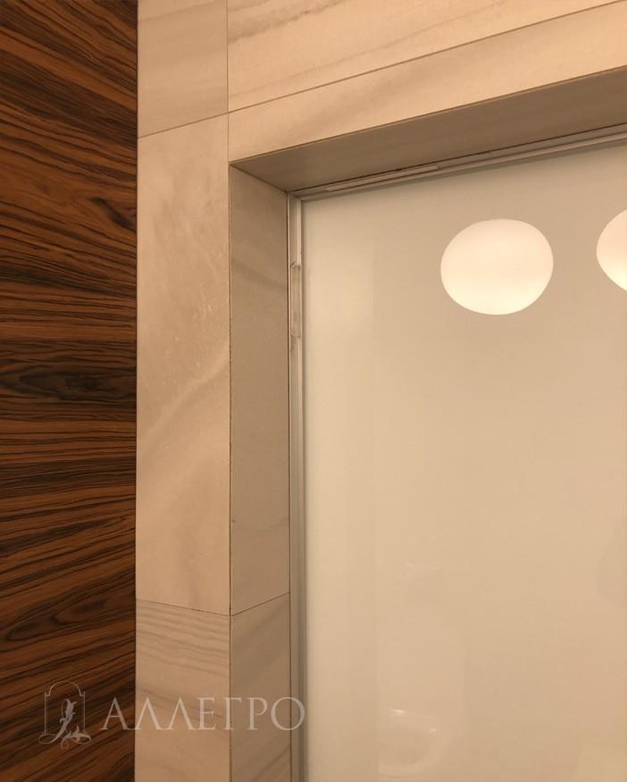 Вот так выглядит полностью готовый проем со стороны ванной