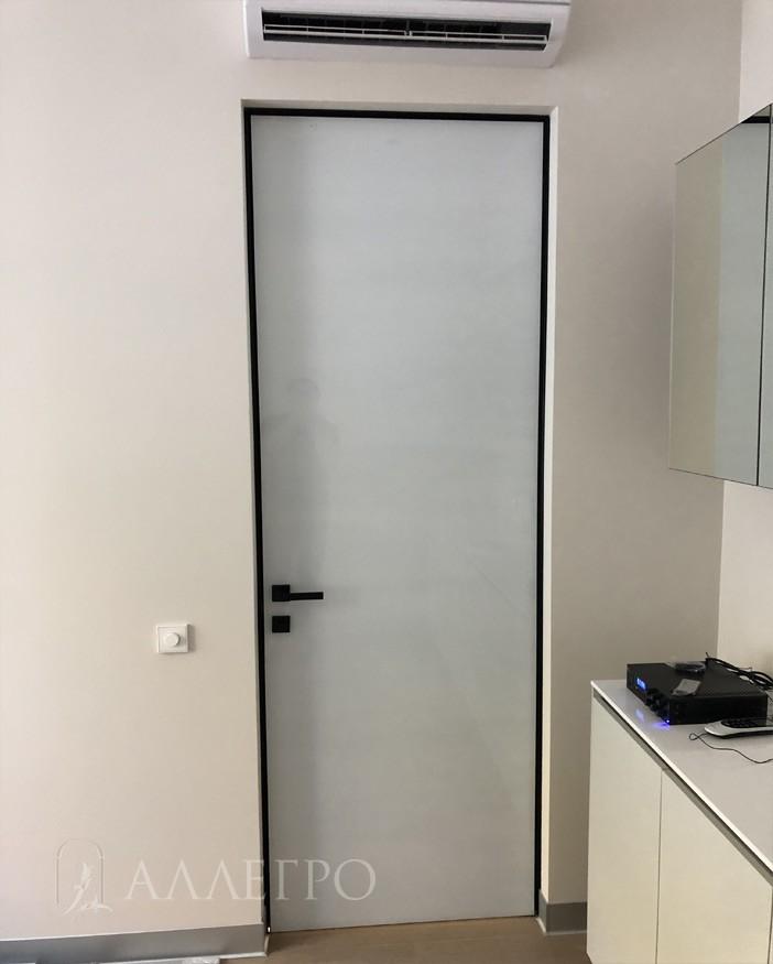 Так дверь выглядит в проеме с обратной стороны.
