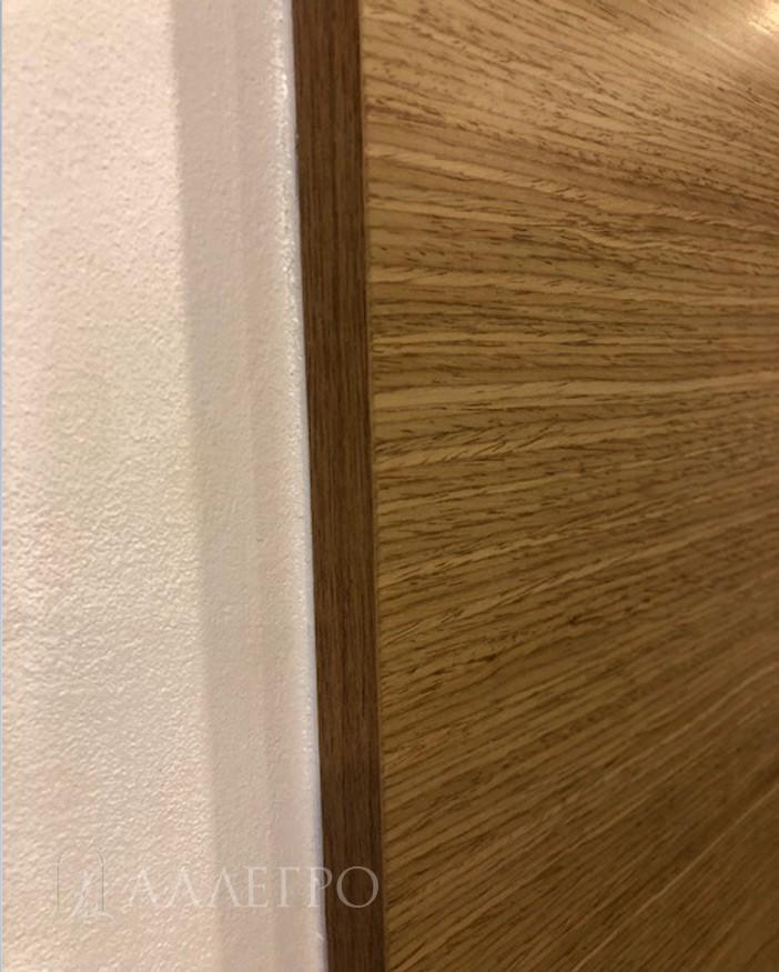 Толщина стеновых панелей может варьироваться от 5 до 16 мм в зависимости от цвета шпона. Боковая кромка панелей также аккуратно отделана шпоном