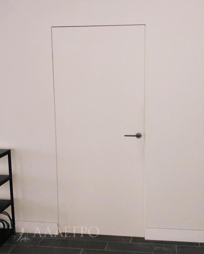 Дверь под покраску с деревянной коробкой. Полностью готова к использованию.