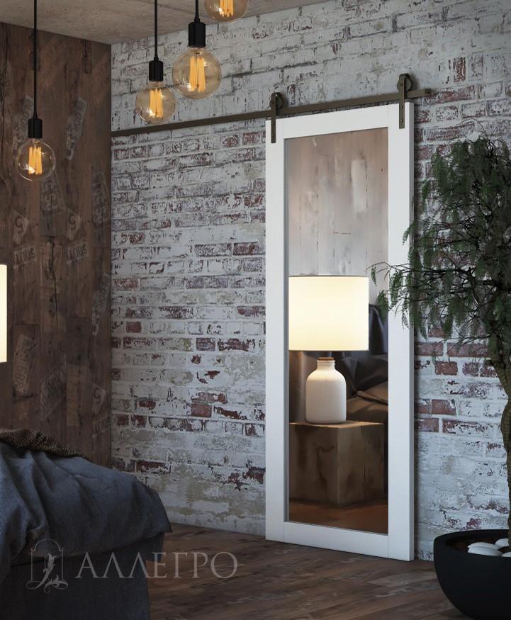 Раздвижная зеркальная дверь с черным амбарным механизмом