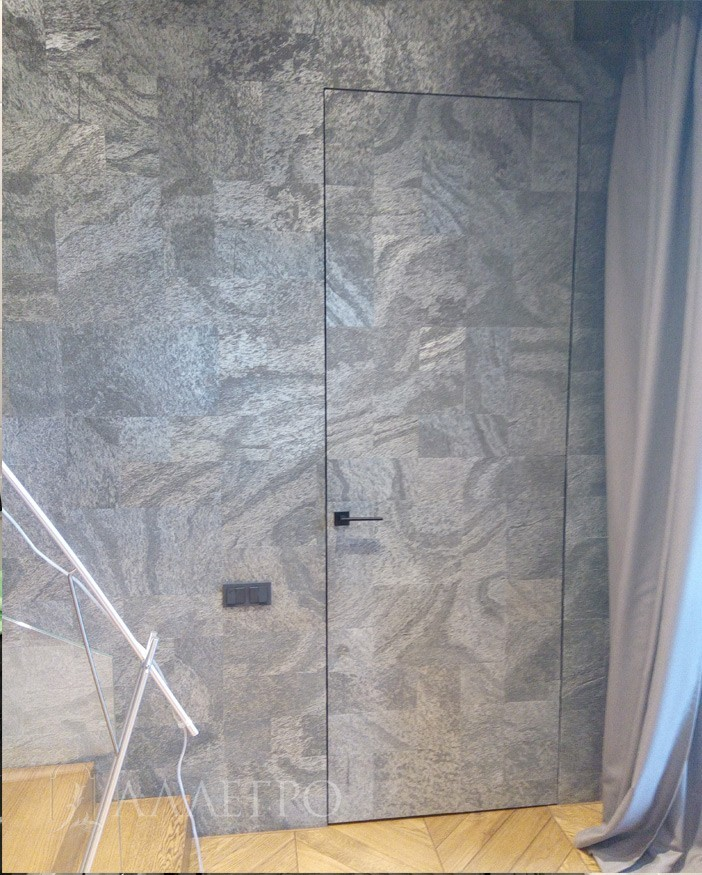 Дверь под отделку с алюминиевой скрытой коробкой:полотно из алюминиевого профиля, 100% алюминиевая коробка