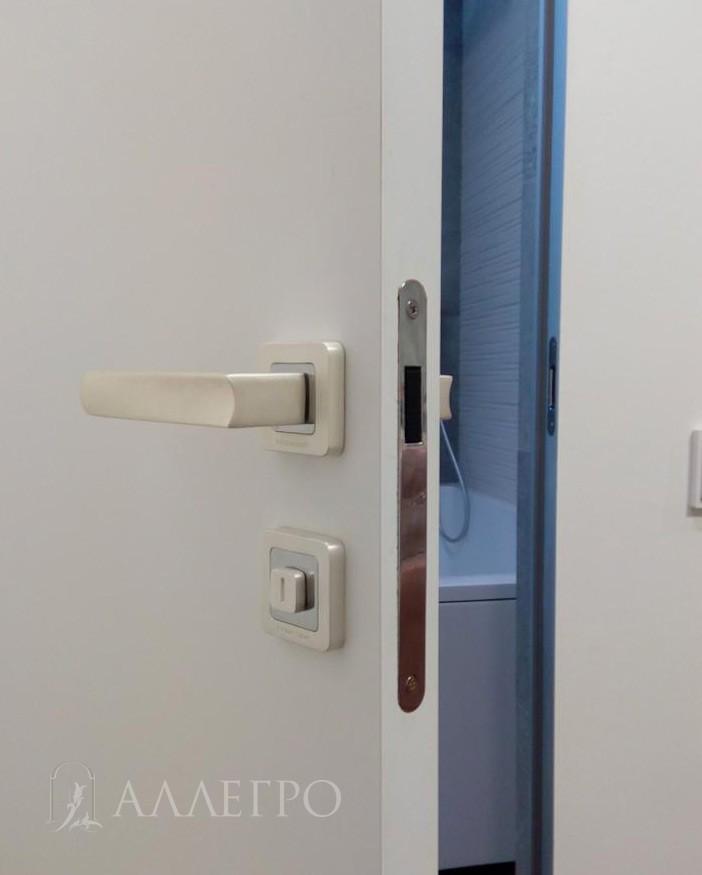 Дверная фурнитура: магнитный замок, ручка и поворотная защелка