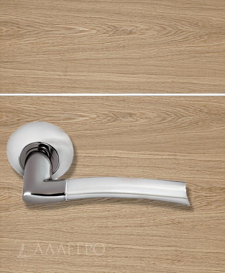 Стильная и удобная дверная ручка Morelli MH 06