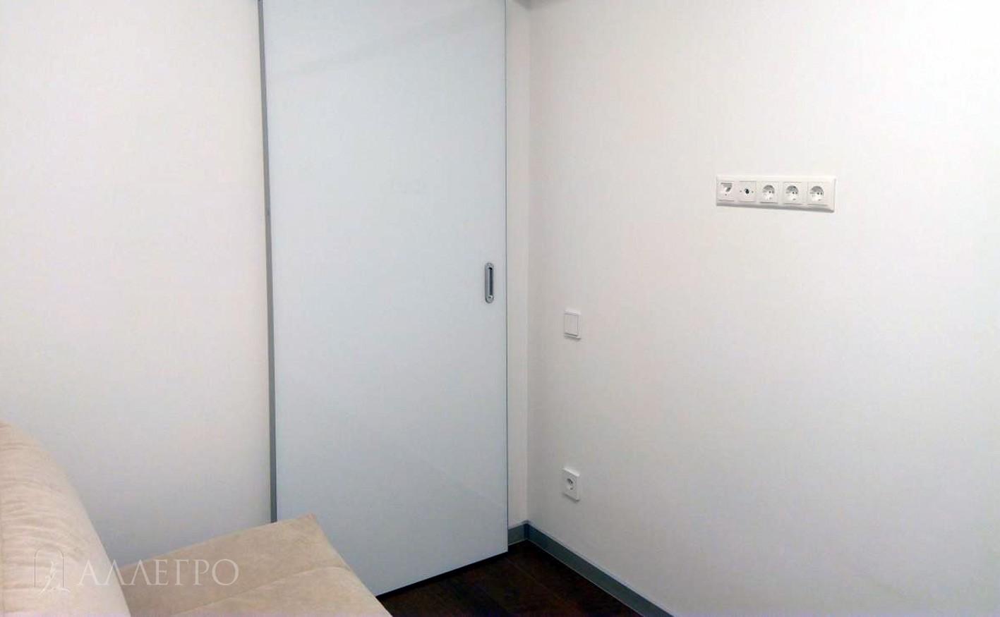 Дверь с раздвижным механизмом HIDDEN в закрытом виде
