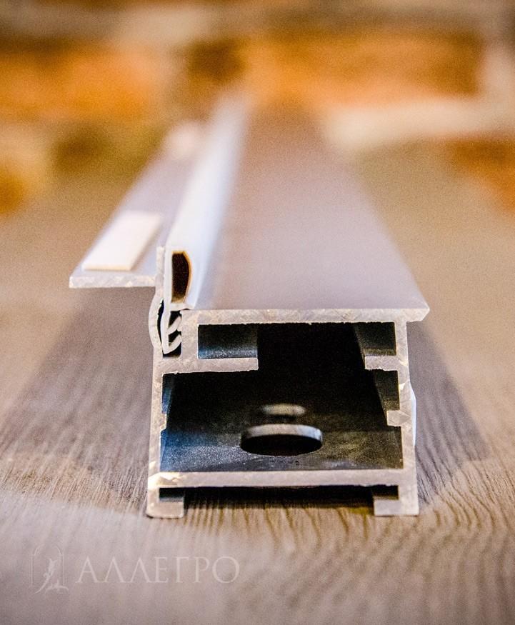 Профиль алюминиевой коробки под скрытую дверь