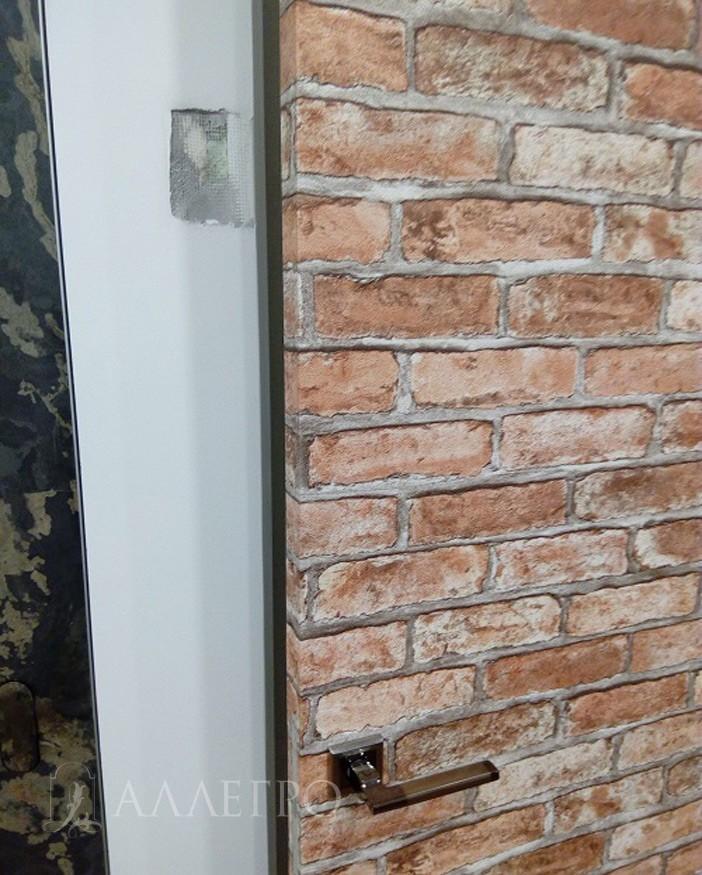 ИТОГ4 Скрытая дверь, оклеенная обоями в приоткрытом виде