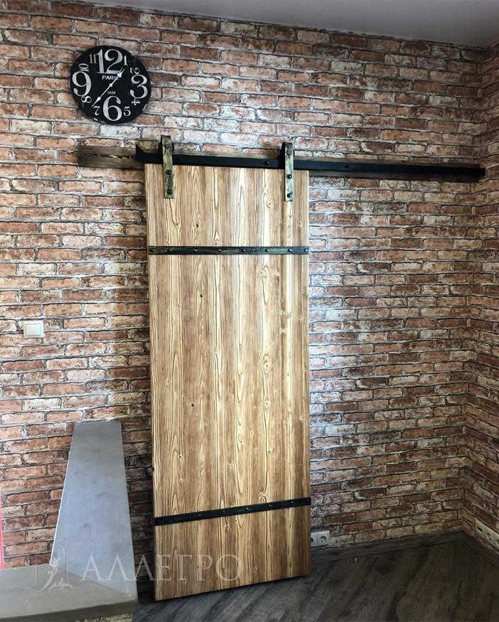 Амбарная дверь. Лицевое фото. Вид спереди 2