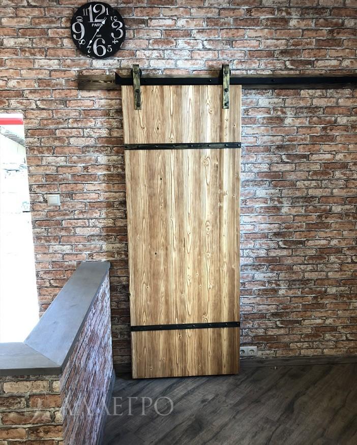 Амбарная дверь. Лицевое фото. Вид спереди 1