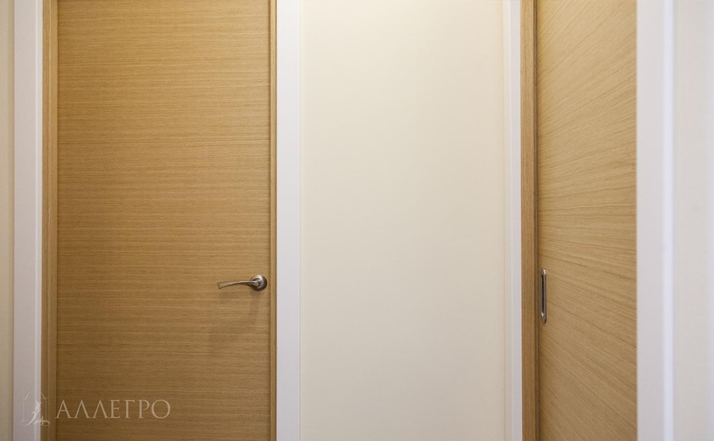 Перпендикулярное расположение. Шпонированная дверь и дверь пенал