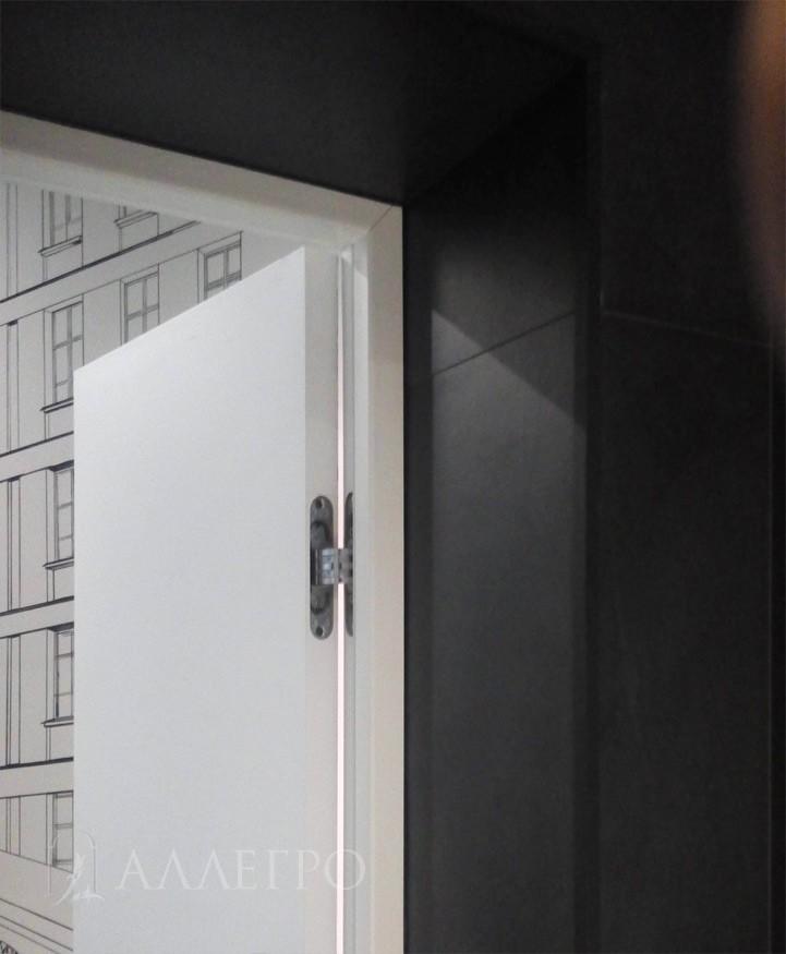 Вид изнутри. Скрытая деревянная коробка с подведенной плиткой
