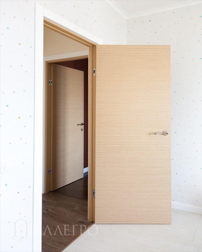 Вид шпонированных дверей с другого ракурса