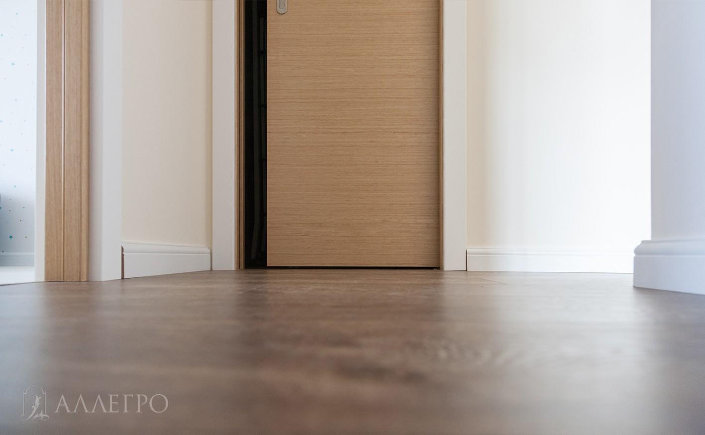 Нижняя часть раздвижной двери пенал