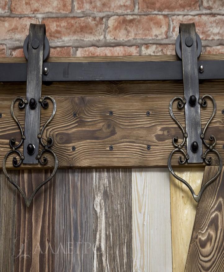 Механизм для амбарной двери с художественной ковкой и патинированием